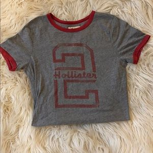 Hollister Graphic Tee!
